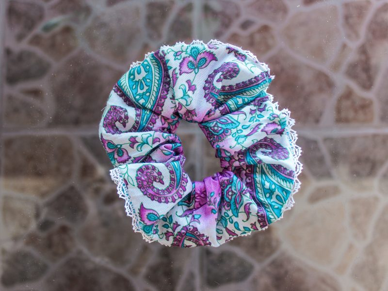 Bubblegum Scrunchie wiith lace